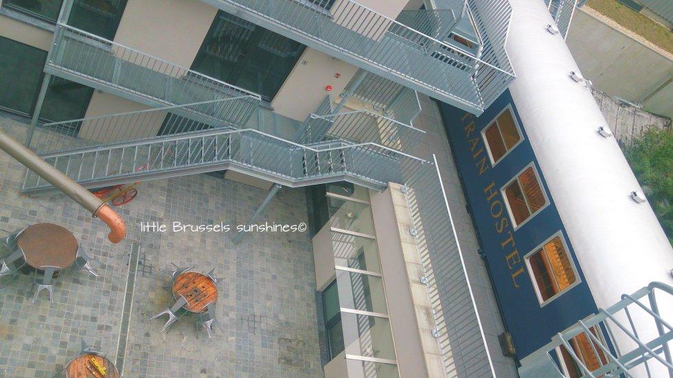 terrasse train hostel (1)